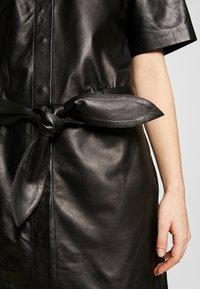 STUDIO ID - JENNIFER DRESS - Robe chemise - black - 4