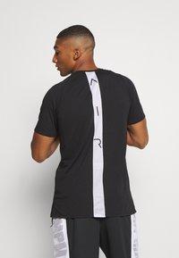 Jordan - AIR - Print T-shirt - black/white - 2