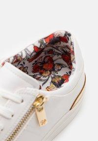 ALDO - LONGOED - Sneaker low - white - 5