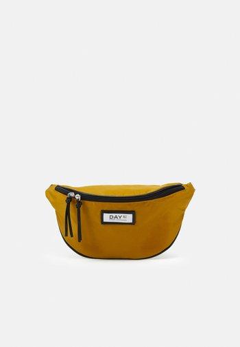 GWENETH BUM - Across body bag - golden palm