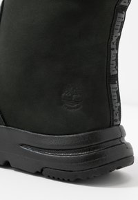 Timberland - MABEL TOWN WP PULL ON - Winter boots - black - 2