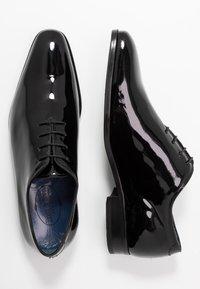 Brett & Sons - Elegantní šněrovací boty - noir - 1