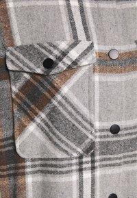ONLY - ONLELLENE VALDA CHACKET - Classic coat - chipmunk - 6