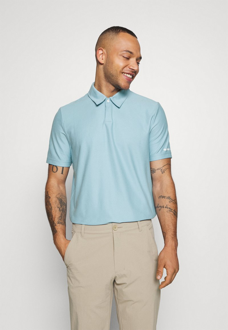 Oakley - CLUB HOUSE - Polo shirt - aviator blue
