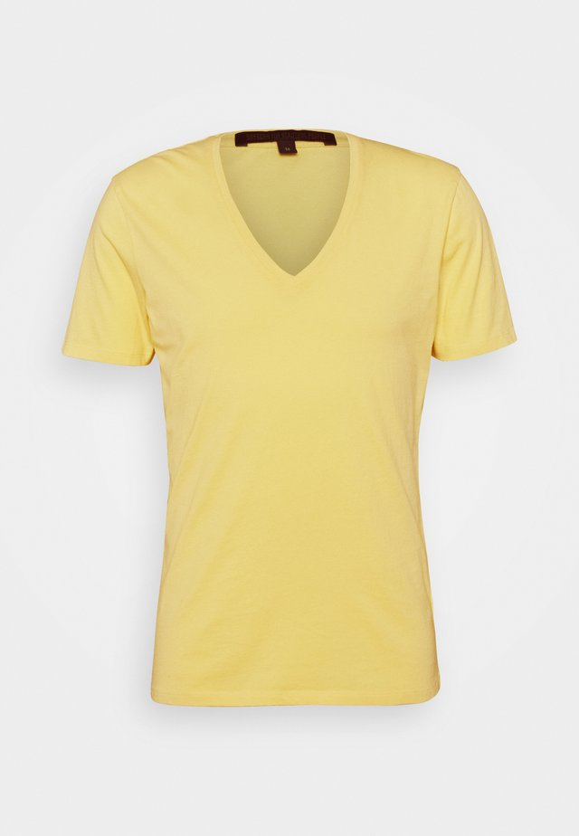 QUENTIN - T-shirt basique - yellow