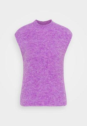AMORA - Strikkegenser - purple