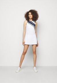 EA7 Emporio Armani - SET - Shorts - white - 1