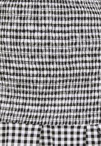 Guess - AIDA  - Shift dress - black/white - 5