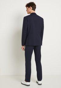 Selected Homme - SHDNEWONE MYLOLOGAN SLIM FIT - Suit - navy blazer - 3