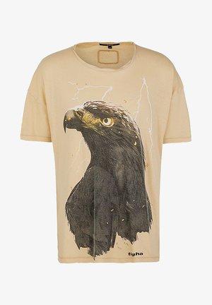 SKY EAGLE ARNE - Print T-shirt - sand
