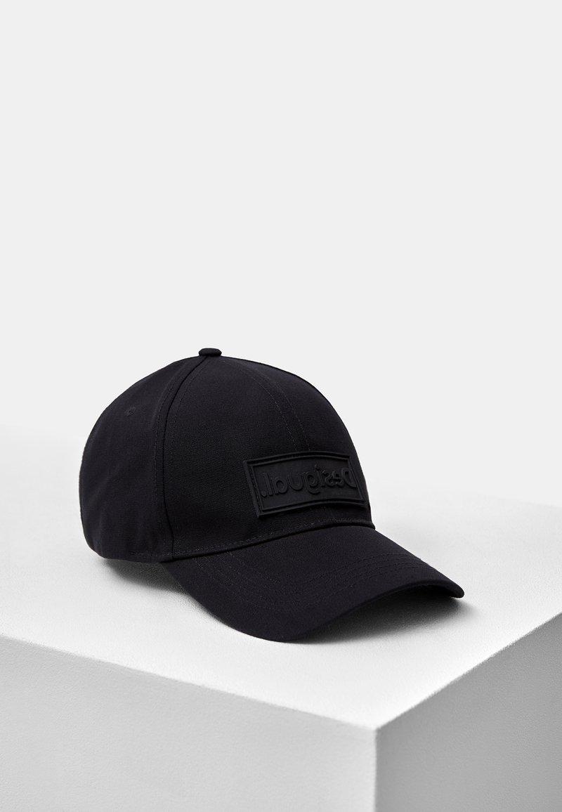 Desigual - Cap - black