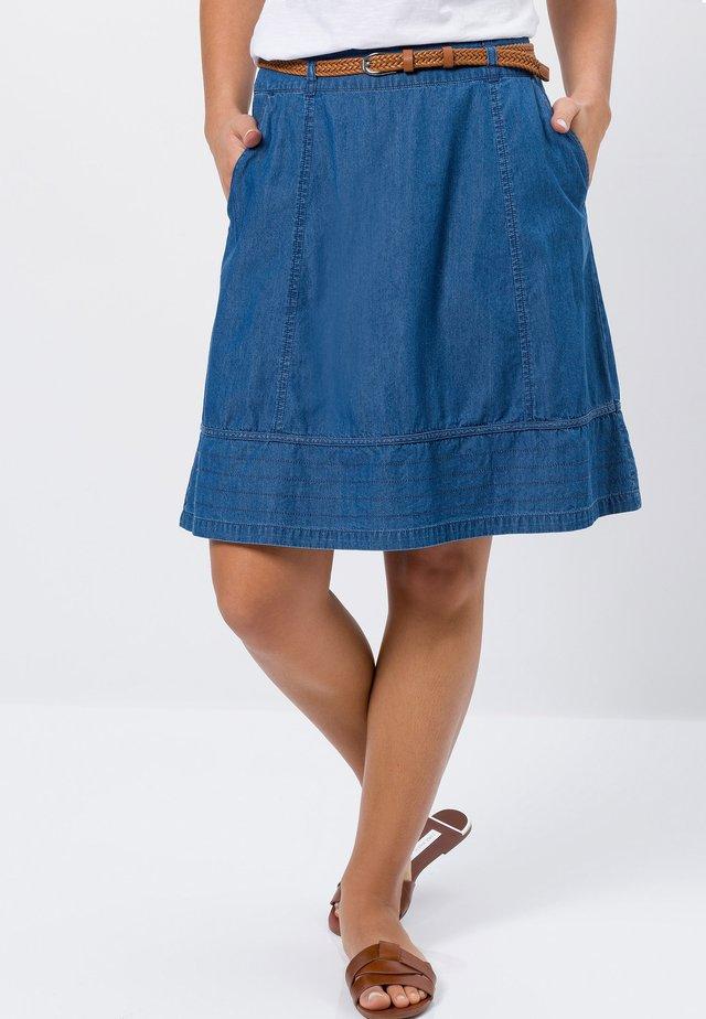 MIT FLECHTGÜRTEL - A-line skirt - mid blue