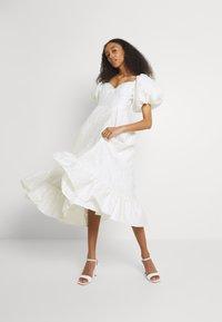Sister Jane - HANDWRITTEN DRESS - Společenské šaty - ivory - 1
