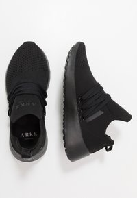 ARKK Copenhagen - RAVEN FG 2.0 PWR5 - Trainers - black/white - 1