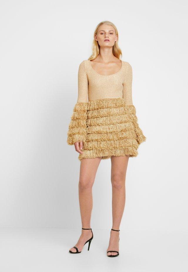 NEON RAIN MINI - Strikket kjole - dune