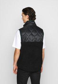 Nike Sportswear - Waistcoat - black/black/pro green - 2