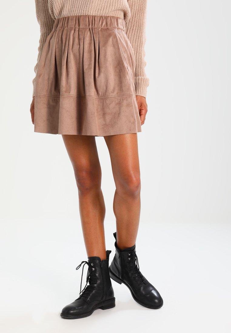 Women KIA - Pleated skirt