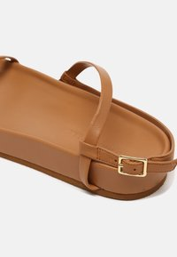 Who What Wear - ALIYAH - Sandály - camel - 5