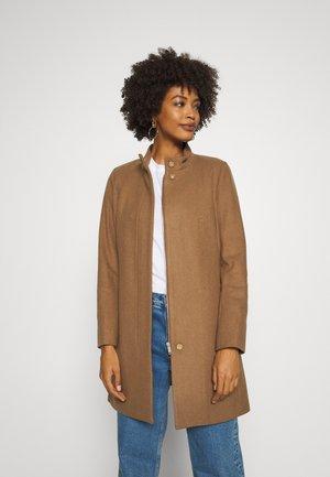 LEVANNA CREW COAT - Zimní kabát - camel
