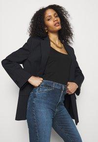 J Brand - RUNWAY HIGH RISE SLIM STRAIGHT - Straight leg jeans - pacific - 3