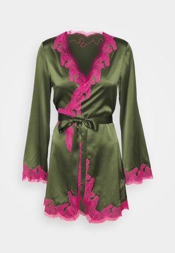 AMELEA - Albornoz - khaki/bright pink