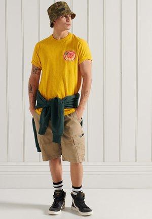 SUSHI ROLLERS - Camiseta estampada - utah gold