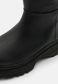 Selected Femme - SLFLUCY HIGH SHAFTED BOOT  - Plateaulaarzen - black/matte - 5