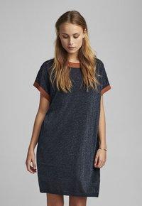 Nümph - NUBELINDA DRESS - Day dress - dark blue - 0