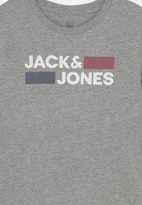 Jack & Jones Junior - JJECORP LOGO - Camiseta estampada - light grey melange - 2