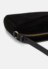 Anna Field - LEATHER - Across body bag - black
