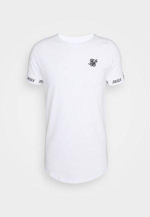 RAGLAN TECH TEE - Printtipaita - white