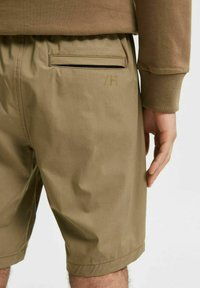 Selected Homme - Shorts - capers - 3