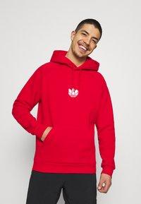 adidas Originals - TREFOIL HOOD UNISEX - Sweatshirt - scarlet - 0