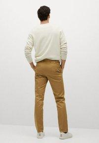Mango - DUBLIN - Pantalones chinos - braun - 2