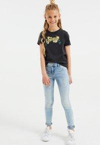 WE Fashion - Print T-shirt - grey - 0