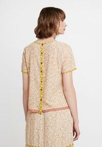 Madewell - CREW NECK BUTTON BACK - Blouse - golden meadow - 2