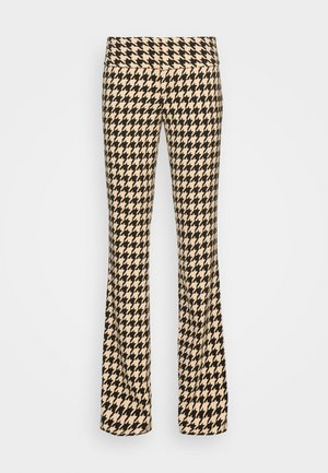OLIVIA PANT - Trousers - almond/black