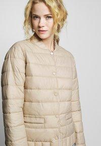 Cream - SOFIACR QUILTED JACKET - Light jacket - desert - 3