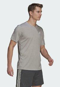 adidas Performance - Basic T-shirt - medium grey heather/white - 3