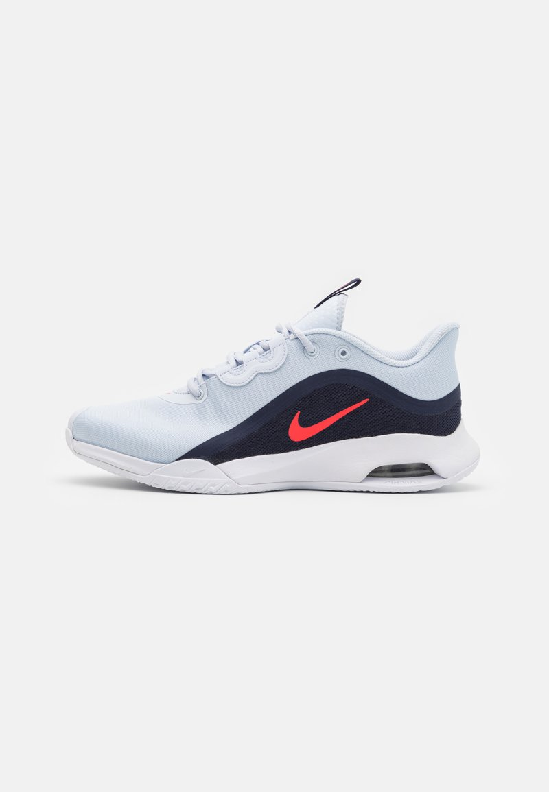 Nike Performance - AIR MAX VOLLEY - Allcourt tennissko - football grey/bright crimson