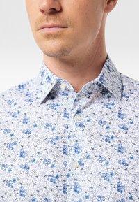 Pierre Cardin - GEBLÜMT - MODERN FIT - Shirt - light blue - 5