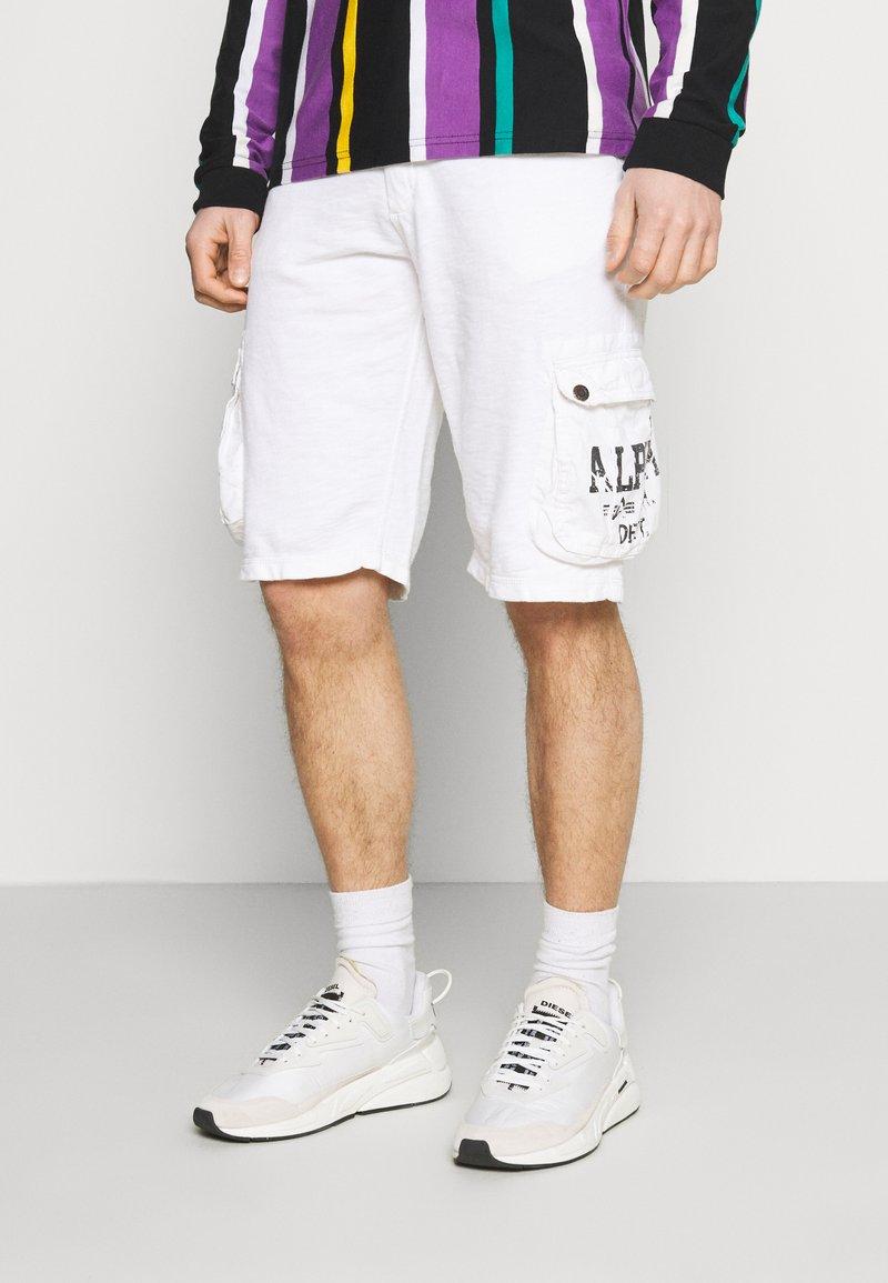 Alpha Industries - UTILITY - Shorts - white