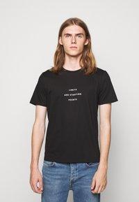 Progetto Quid - UNISEX MENTA - Print T-shirt - black - 0