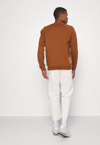 Scotch & Soda - FELPA - Sweatshirt - tobacco - 2