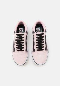 Vans - COMFYCUSH OLD SKOOL UNISEX - Sneakers - blushing bride/black - 3