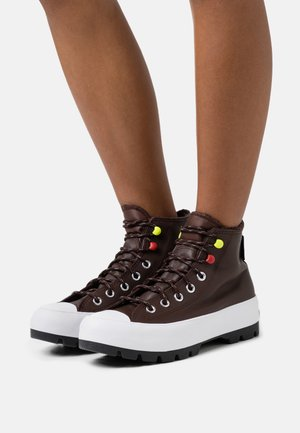 CHUCK TAYLOR ALL STAR MC LUGGED - Höga sneakers - dark root/white/black
