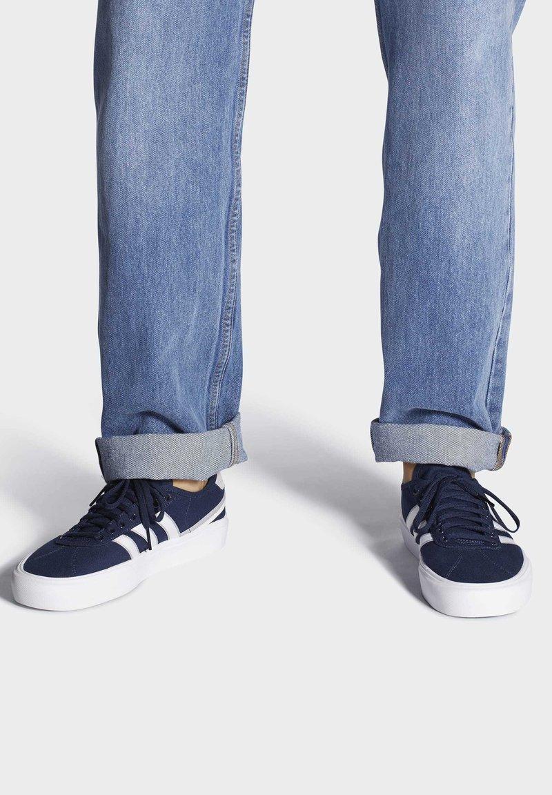 adidas Originals - DELPALA SHOES - Zapatillas skate - blue