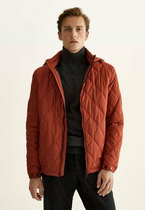 MIT KAPUZE - Light jacket - orange