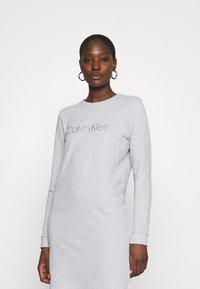 Calvin Klein - VALENTINES - Kjole - light grey heather - 3