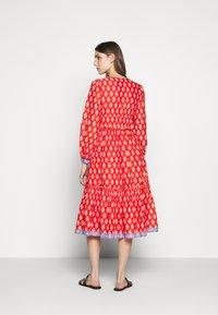J.CREW - DRESS IN BLOCKPRINT - Košilové šaty - cerise cove/multi - 2